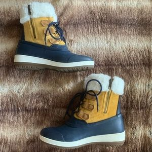 Sperry Pacifica Alpine Navy Yellow Boots